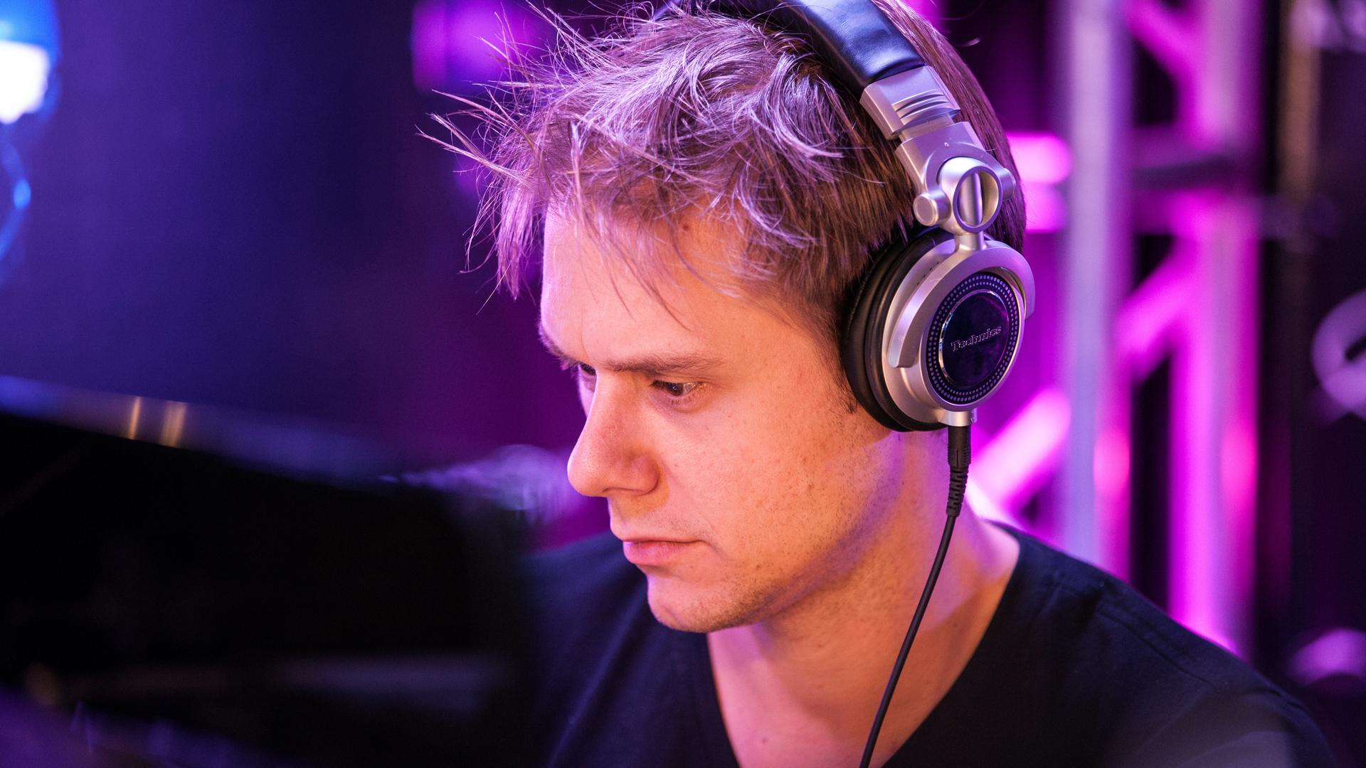 Shivers av Armin Van Buuren
