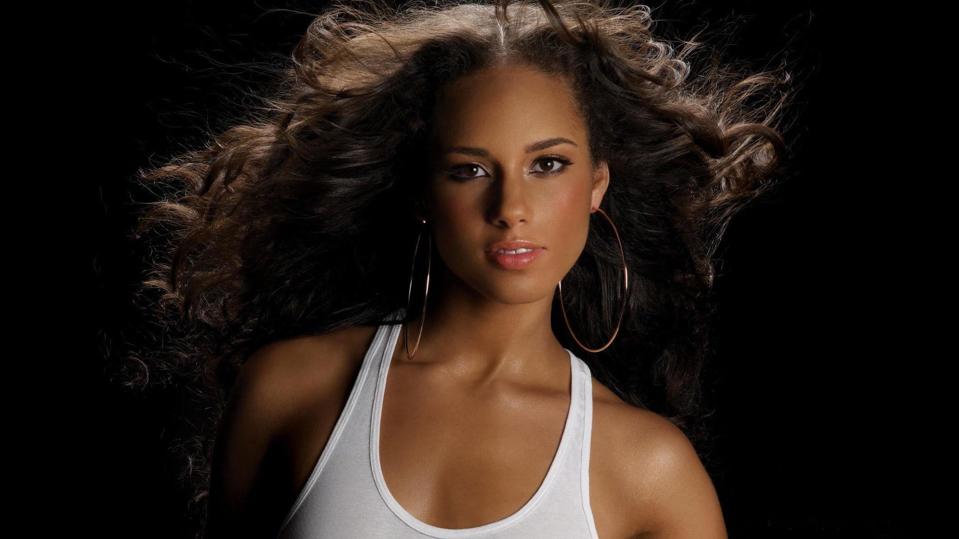 Girl On Fire av Alicia Keys