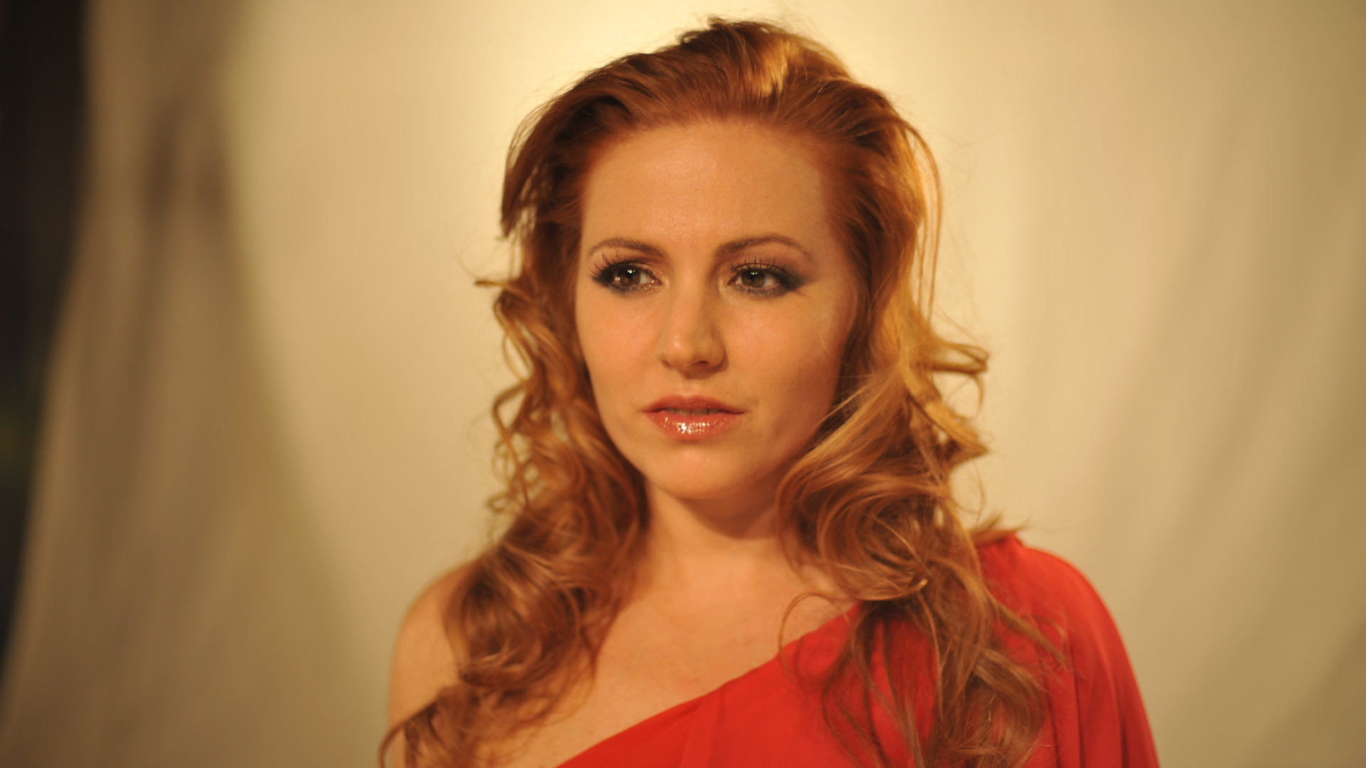 Maybe av Valentina Monetta