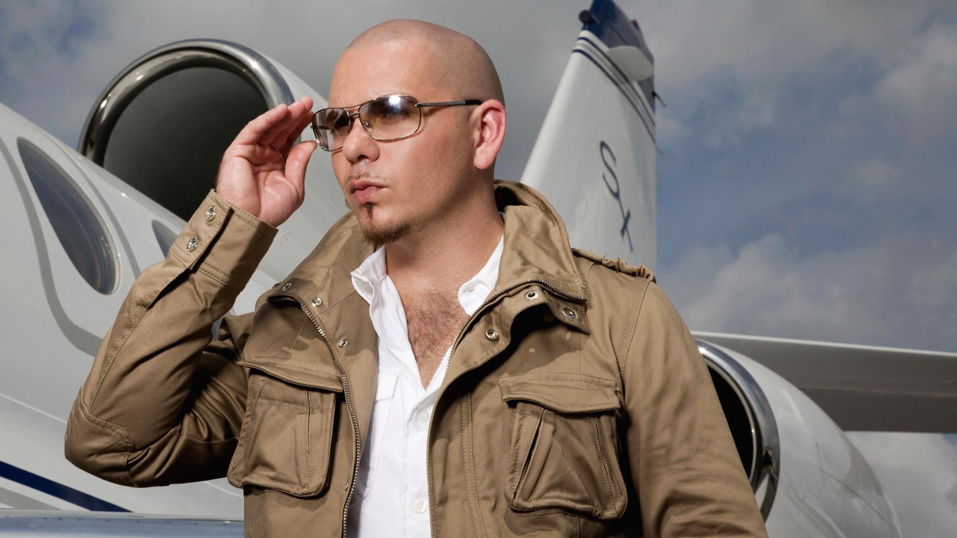 Give Me Everything av Pitbull