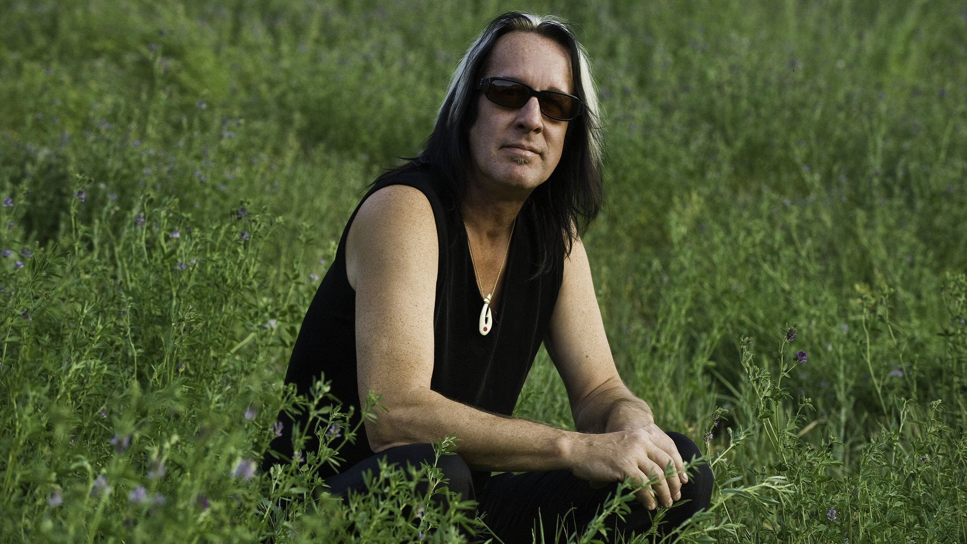 Black And White av Todd Rundgren
