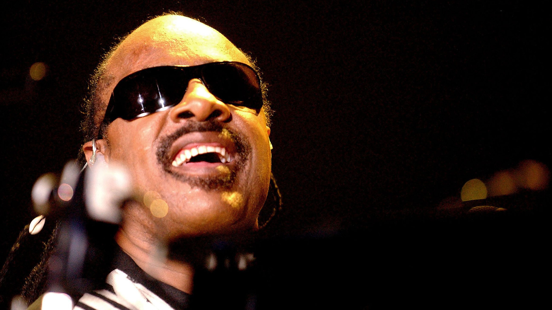 Give Love On Christmas Day av Stevie Wonder