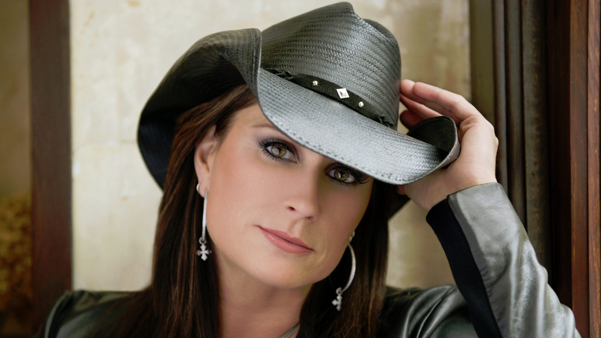 Girls Lie Too av Terri Clark
