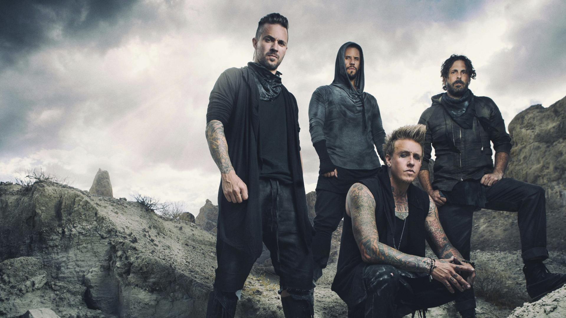 Hollywood Whore av Papa Roach