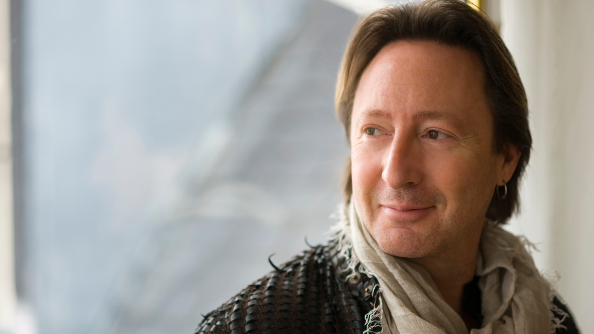 Too Late For Goodbyes av Julian Lennon